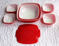 red pyrex hostess set. i have the largest bowl and the 4 small bowls.