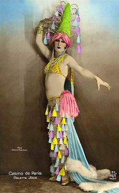 Dancers of the Casino de Paris, c.1915, courtesy Everyday Vintage.  And I am stealing the tassel-pants idea right now.