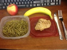 Military Diet. On the go! Dinner Day 1. Easily packed to take to work! 3 oz Grilled Chicken. 1 cup of green beans. Half a banana and a small apple!