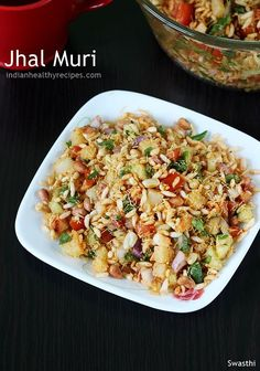 Jhal muri is a quick spicy puffed rice snack popular in kolkata. Chopped vegetables, various spice powders, puffed rice & roasted peanuts are the main ingredents Healthy Recipes, Veg Recipes, Indian Food Recipes, Vegetarian Recipes, Cooking Recipes, Healthy Snacks, Xmas Recipes, Zoodle Recipes, Healthy Chef