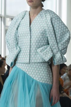 Delpozo at New York Fashion Week Spring 2018 - Details Runway Photos Fashion Week 2018, New York Fashion, Runway Fashion, Trendy Fashion, Plus Size Fashion, Spring Fashion, Womens Fashion, Fashion Trends, Feminine Fashion