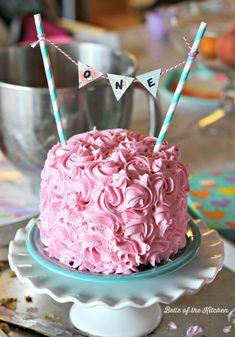 Birthday Smash Cake Tutorial + Simple Vanilla Cake recipe - Belle of the Kitchen Smash Cake Girl, Birthday Cake Smash, First Birthday Cakes, Birthday Cake Girls, Girl Cakes, Homemade Smash Cake, Smash Cake Recipes, Homemade Birthday Cakes, Funfetti Kuchen
