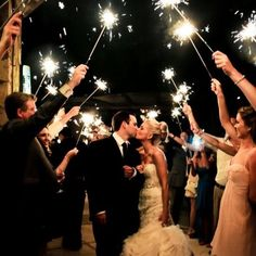 Sparklers are one of our all time favorite party essentials! These are the perfect way to make your grand entrance as bride and groom! Have all your guests light one for a magical night filled with love ✨