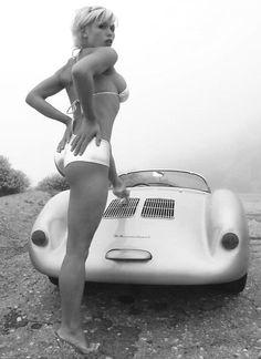Porsche 550 Spyder - Oh and the Pin up too... lol
