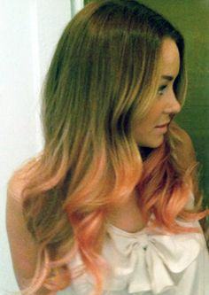 Peach dip-dye again on Lauren Conrad -- adorable! And a little more toned down than most. See how it fades in? :)