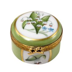 Lily of the Valley Mini Round Box Limoges. Decoupage, Scully And Scully, Lily Of The Valley Flowers, Porcelain Jewelry, Porcelain Tiles, Painted Porcelain, Fine Porcelain, Antique Boxes, Pretty Box