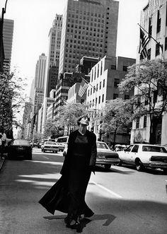 ☆ Linda Evangelista | Photography by Peter Lindbergh | For Harper's Bazaar Magazine US | August 1993 ☆ #Linda_Evangelista #Peter_Lindbergh #Harpers_Bazaar #1993
