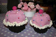 Crochet Hats, Beanie, Cupcakes, Knitting, Fashion, Threading, Knitting Hats, Moda, Cupcake Cakes