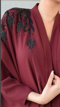 Nice Fashion Details Beste Stickmuster Mode Haute Couture Ideen # Mode # Stickerei Who Can Resist A Hand Embroidery Dress, Bead Embroidery Patterns, Couture Embroidery, Embroidered Clothes, Embroidery Fashion, Hand Embroidery Designs, Embroidery Jewelry, Embroidery Ideas, Beginner Embroidery