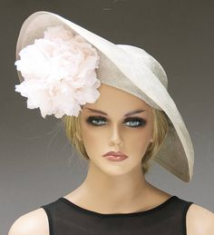 It's beach season gals and with beach season comes all new fashionable hats to wear! Women's Dresses, Kate Middleton Hats, Diana, Funky Hats, Big Hats, Royal Ascot Hats, Occasion Hats, Special Occasion, Elisabeth