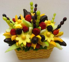 how to make your own edible fruit arrangement at a fraction of what would pay!
