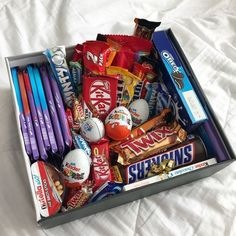 DIY Candy Gift Boxes for Birthday Presents for Boys candy gift box Birthday Gifts For Boyfriend Diy, Cute Boyfriend Gifts, Cute Birthday Gift, Birthday Gifts For Boys, Birthday Gifts For Best Friend, Diy Birthday, Cool Birthday Presents, Gift For Boys, Birthday Present Diy