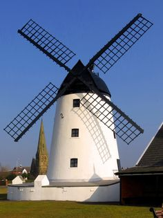 Windmills - A photographic tour at PicturesofEngland.com .