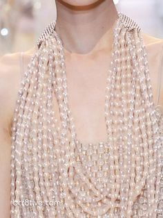 Sea of Pearls Necklace, Giorgio Armani Privé Fall Winter Haute Couture Couture Details, Fashion Details, Giorgio Armani, Armani Collection, Fashion Now, Neck Piece, Simple Elegance, Lace Design, Classy And Fabulous