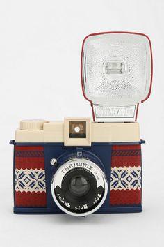 Vintage Cameras Lomography Diana F Chamonix Camera - Urban Outfitters - Antique Cameras, Old Cameras, Vintage Cameras, Cute Camera, Camera Shy, Camera Lens, Film Camera, Lomo Camera, Polaroid