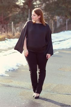 01.02.14 - wearing: Christine Kardashian blouse, Via Appia Due pants, LaStrada pumps, Pinkbiju earrings and Swarovski bracelet