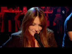 Carla Bruni - L'Amoureuse (Live on Later with Jools Holland 2008)