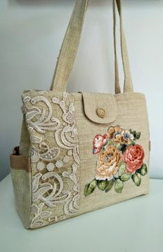 Handbags and Purses Make or Break an Outfit Fabric Tote Bags, Fabric Handbags, Handbag Patterns, Bag Patterns To Sew, Diy Bags Purses, Purses And Handbags, Lace Bag, Embroidery Bags, Jute Bags