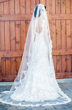 Kleinfeld Bridal carries the largest selection of couture wedding dresses, designer exclusives, plus size wedding gowns, headpieces and accessories. Bridal Veils And Headpieces, Wedding Veils, Bridal Wedding Dresses, Bridal Style, Beautiful Wedding Gowns, Dream Wedding, Plus Size Wedding Gowns, Bridal Hair Accessories, Wedding Ideas