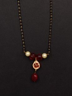 Buy Floral Pendant Mangalsutra  online