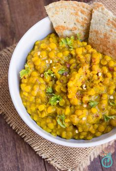 This easy chana dal recipe comes together in under 40 minutes and uses basic spices that you likely already have on hand - a tasty Indian dinner awaits! | Simply Quinoa :: Vegan, Gluten Free