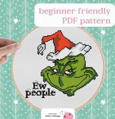 Funny Cross Stitch Patterns, Cross Stitch Charts, Cross Stitch Designs, Cross Stitch Christmas Ornaments, Christmas Cross Stitch Patterns, Christmas Charts, Grinch Christmas Decorations, Knitting Charts, Plastic Canvas Patterns