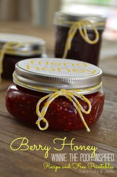 Make Raspberry Honey and Free Winnie-The-Pooh-Inspired Neighbor Gift Printables! -- Tatertots and Jello Raspberry Honey Recipes, Jar Gifts, Food Gifts, Jam And Jelly, Sweet Sauce, Canning Recipes, Jar Recipes, Neighbor Gifts, Homemade Gifts