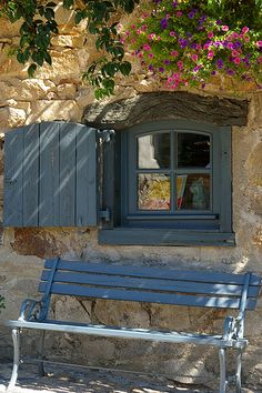 Journée d'été by H G, via Flickr - Lavaudieu, Auvergne, França (CC BY-NC-ND 2.0)