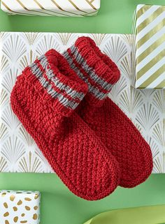 Free Knitting Pattern for Get Comfy Slipper Socks - Slippers with ribbed cuff and textured foot. Sizes Men's Small, Medium and Large. Designed by Sandi Rosner for Red Heart. Beanie Knitting Patterns Free, Knit Slippers Free Pattern, Knitted Slippers, Slipper Socks, Crochet Slippers, Loom Knitting, Knitting Socks, Free Knitting, Baby Knitting