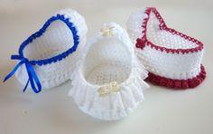 Mamma That Makes: Cherub Comfort Cradle ~ **Free Crochet Pattern ~ Precious** Crochet Doll Clothes, Doll Clothes Patterns, Crochet Dolls, Crochet Yarn, Doll Patterns, Free Crochet, Crochet Patterns, Preemie Crochet, Crochet Amigurumi