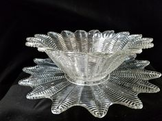 Vintage Feathered Pressed Glass Bowl and Under-plate Antique Decor, Antique Items, Vintage Items, Vintage Love, Unique Vintage, Etsy Vintage, Dinning Room Tables, Selling On Pinterest, Pressed Glass