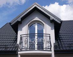 Na tym balkonie został zastosowany profil krawędziowy do balkonów półokrągłych, Perfecta PK 47 AL flex , kolor grafitowy RAL 7016