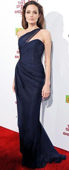 she looks stunning, I love the dress.