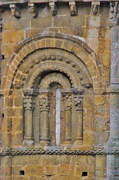 Detalle Colegiata de Santa Juliana, Santillana de Mar  Cantabria  Spain