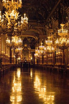 Sólo la imaginación.... Le Grand Foyer de l'Opéra Garnier, Paris, France, photo by Audrey, Bee.girl via Flickr.