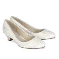 Ballerines petits talons dentelles ivoire Chaussure Mariee Petit Talon,  Dentelle, Ballerine Mariage, Petits f365019caaad