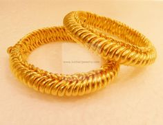 Bangles / Bracelets / Kada - Gold Jewellery Bangles / Bracelets / Kada (BG21002100) at USD 9,452.51 And EURO 8,356.87