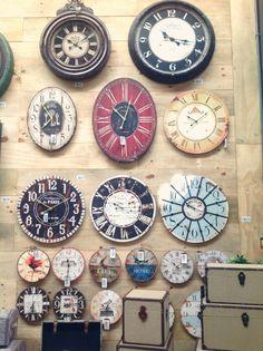 Esteja sempre no horário com esses lindos relógios!   #adoro #adoropresentes #decor #decoacao #decoration #home #lojavirtual #lojaonline #relogios #watches