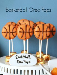 These basketball Oreo pops are the cutest, and so easy to make!