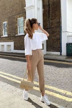 Summer Office Outfits, Casual Outfits For Teens, Summer Outfits Women, Classy Outfits, Chic Outfits, Formal Outfits, Estilo Indie, Fashion Over 40, Moda Petite
