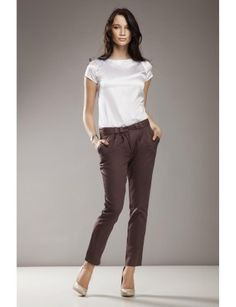 Nu vrei sa fi un glamour in aceasta sezon? Trebuie sa o ai neaparat! Bluza confera aspect de lux fiind fabricata dintr-un material moale din satin!