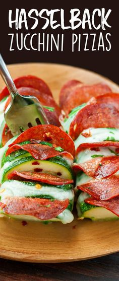 Skip the crust and grab a zucchini! These Cheesy Hasselback Zucchini Pizzas are guaranteed to impress and SO easy to make! via…