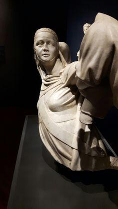 Monumento Funebre di Margherita di Brabante.  Un tempo nell'Abside della chiesa di San Francesco in Castelletto.  Ora nel museo di Sant'Agostino  a Genova. 1313-1314
