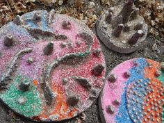 Rainbow Sand Casting--looks interesting Science Projects For Kids, Crafts For Kids To Make, Art For Kids, Craft Projects, Craft Ideas, School Projects, Summer Crafts, Fun Crafts, Arts And Crafts
