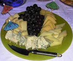 Αποτέλεσμα εικόνας για πιατελες με τυρια Dairy, Cheese, Food, Essen, Meals, Yemek, Eten