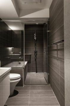 Une salle de bains grise avec un plafond blanc | design, décoration, salle de bain. Plus d'dées sur http://www.bocadolobo.com/en/inspiration-and-ideas/