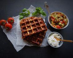 Kødfri mandag: Hytteostvaffel med basilikum og soltørrede tomater