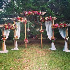 Ceremony idea - Life with Alyda Wedding Ceremony Arch, Wedding Altars, Diy Wedding, Rustic Wedding, Wedding Flowers, Dream Wedding, Gypsy Wedding, Wedding Arches, Wedding Ideas