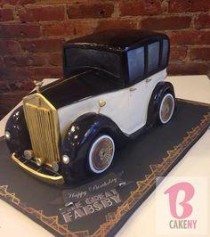 Dort marcipánový * k narozeninám - Rolls Royce. Unique Cakes, Creative Cakes, Fancy Cakes, Cute Cakes, Fondant Cakes, Cupcake Cakes, Motorcycle Cake, Realistic Cakes, Foundant