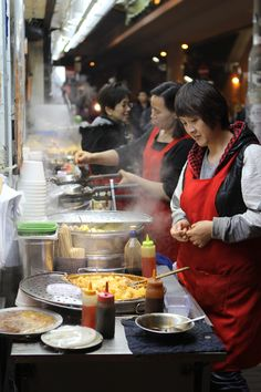 Chinese street food | China street market | chinese food | Hong Kong Stage in Cina
